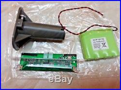 NEW ADT Solar LED Flashing Alarm Bell Box Decoy Dummy Kit. + Bracket And Battery2